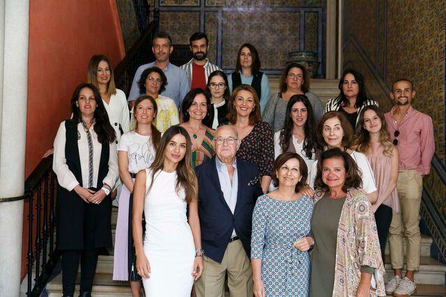 Los finalistas de Emprende Lunares 2018 junto a los miembros de la comisión de expertos