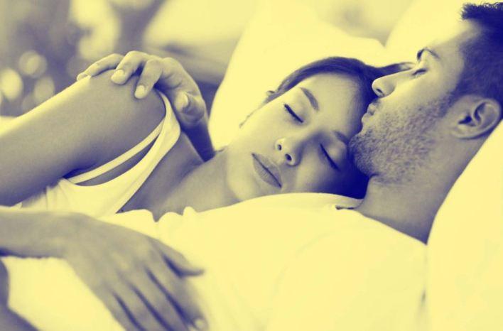 وضعيات نوم تكشف طبيعة العلاقة بين الزوجين بحسب لغة الجسد - راقي