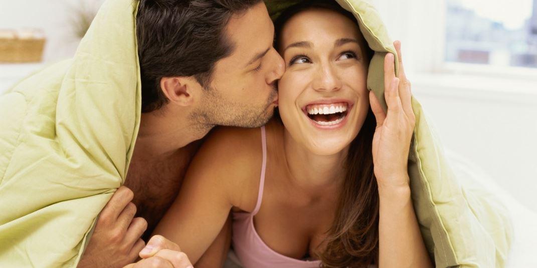 عن مداعبة الزوجة في السرير هذا أبرز ما يمكنك فعله راقي