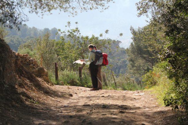 hiking-296871_1280