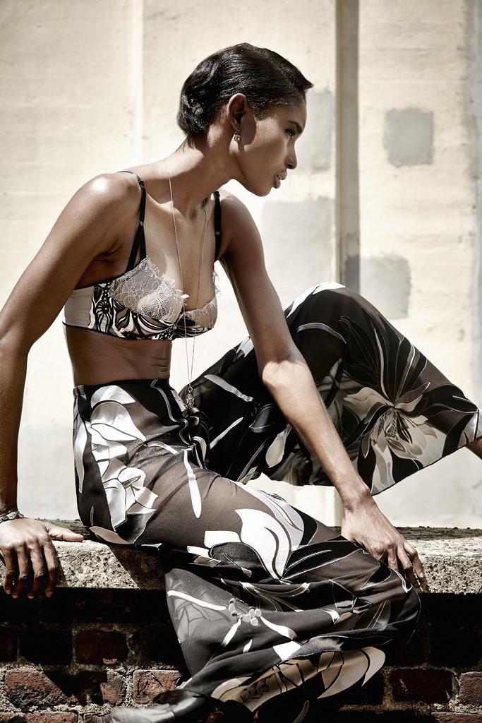 Dottie's Delights 'Metropolis' bra and lounge pants