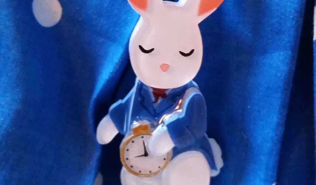Alice in Wonderland inspired brooch from Tangerine Menagerie