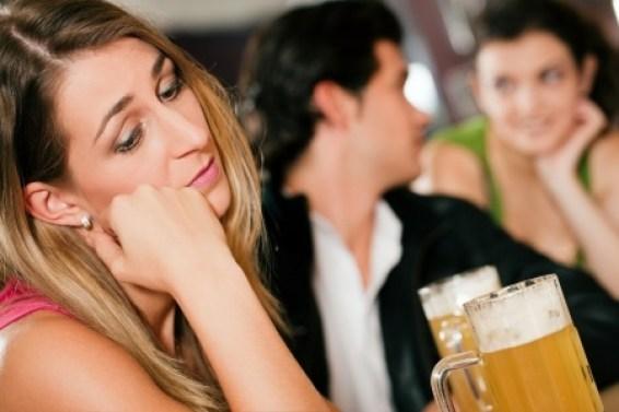 Blog-Pic-Jealous-Woman-Man-Flirting-12719482