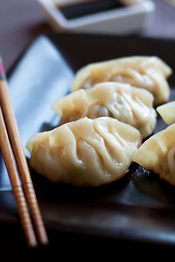 Gyoza (Juicy and Crispy Dumplings!) - Rasa Malaysia