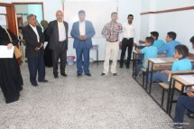 مدير مكتب التربية يتفقد سير الاختبارات بمدارس الرشيد الحديثة فرع معين الإنجليزي (2)