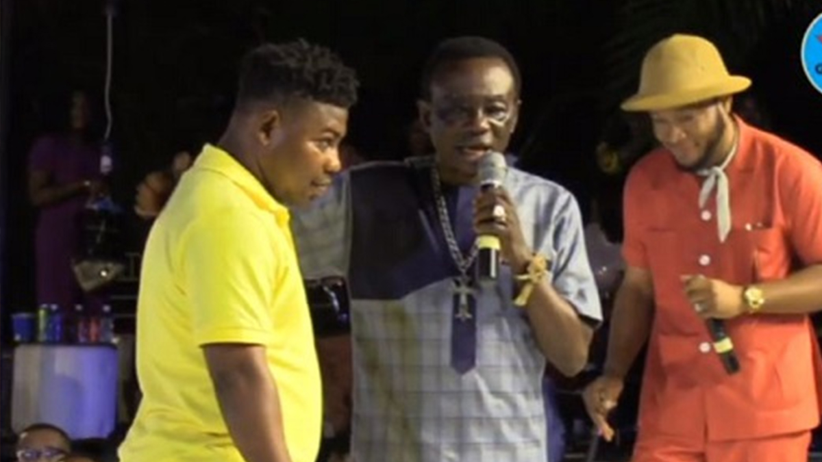 J.A Adofo forgives Nana Baroo on stage for stealing his song