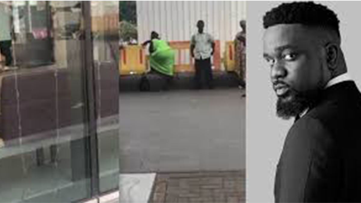 Sarkodie loses his cool, blasts authorities of Ridge Hospital over a viral video