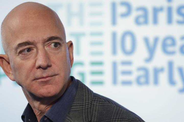 Richest man makes $13b in 15 minutes