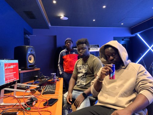 Check Out Studio Session Of Sarkodie, Possigee And MOG At Redbull Studio