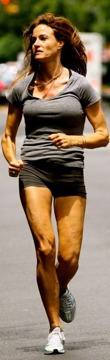 Kelly-Bensimon-Jogging-in-New-York-City-061311_ (5)