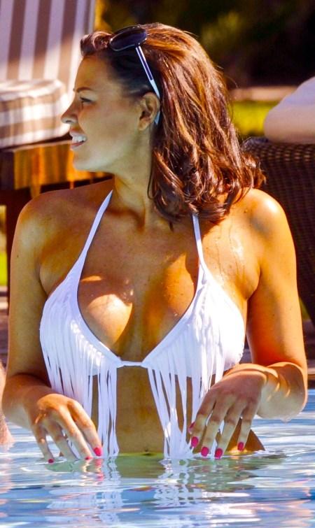 jessica-wright-in-bikini-at-a-hotel-pool-in-marrakesh_1