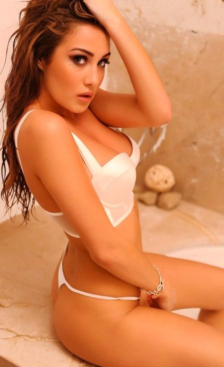 Chloe-Goodman-Hot-And-Sexy-19