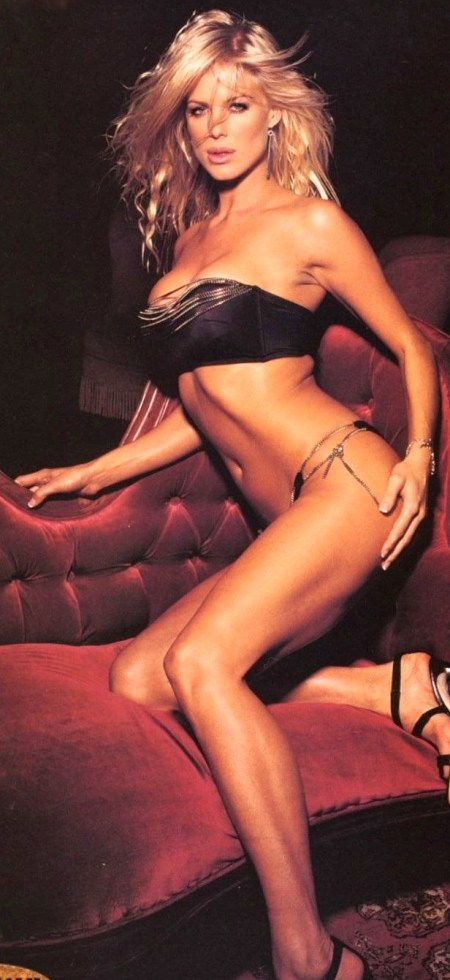 dr-napalm-victoria-silvstedt-no-underwear-ab-bbe-large-tv-1865211523