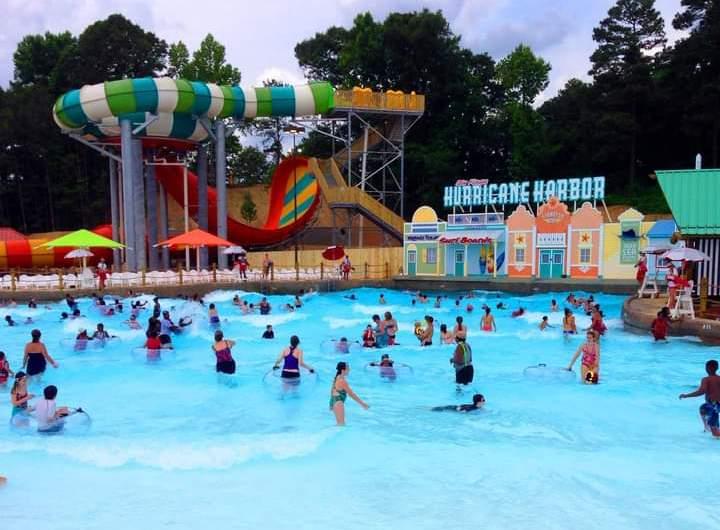 Six Flags Hurricane Harbor Oaxtepec reabrirá sus puertas