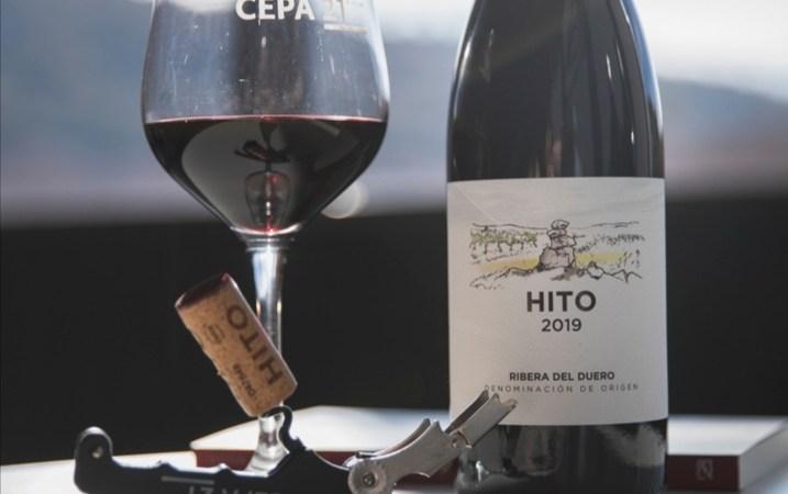 Hito Tinto y Malabrigo, los vinos de Bodegas Cepa 21 para regalar este Día del Padre