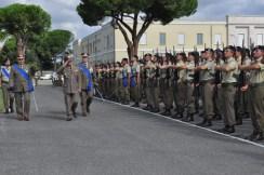 Il Generale Primicerj passa in rassegna il reparto schierato