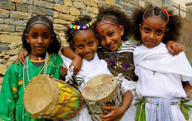 young-girls-celebrating-ethiopian-new-year-photo-by-imagine-1-day