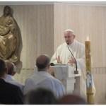 Papa: Velikodušnost u malim stvarima širi srce, konzumizam je bolest