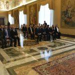 Papa sucima: Poštujte dostojanstvo osobe i sudite pravedno i iskreno
