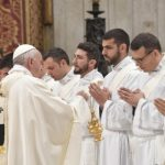 Papa devetnaestorici novih svećenika: Budite blizu Božjem narodu
