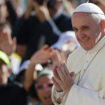 Papa Franjo: Kako moliti za druge?