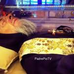 (VIDEO) Kako je moguće?! Tijelo svetog Padre Pija, 51 godina nakon smrti NERASPADNUTO!