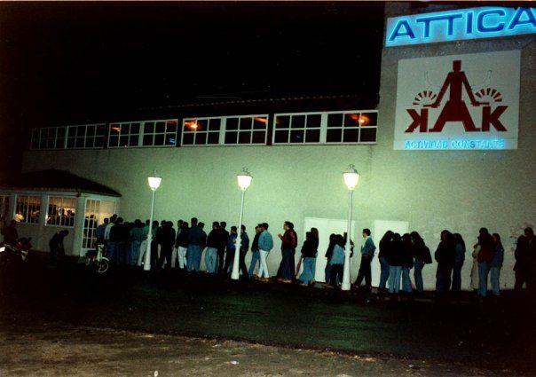 Cola en Attica Club Madrid