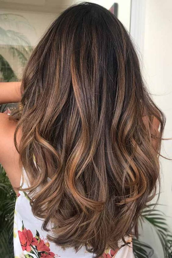 The most fashionable types of dyeing for long hair 9