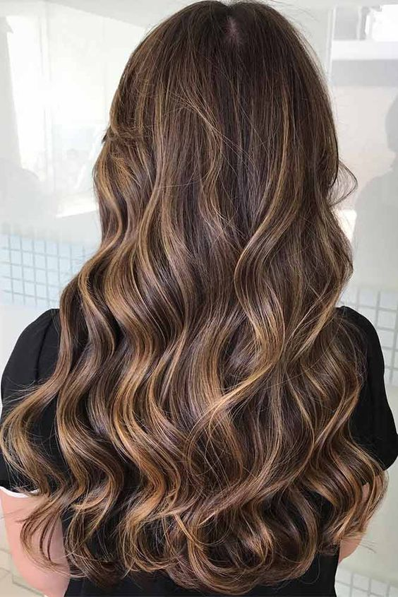 The most fashionable types of dyeing for long hair 4