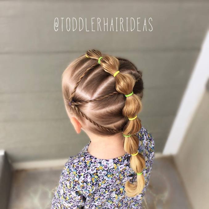 Simple and trendy hairstyles to school 31