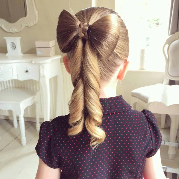 Simple and trendy hairstyles to school 11