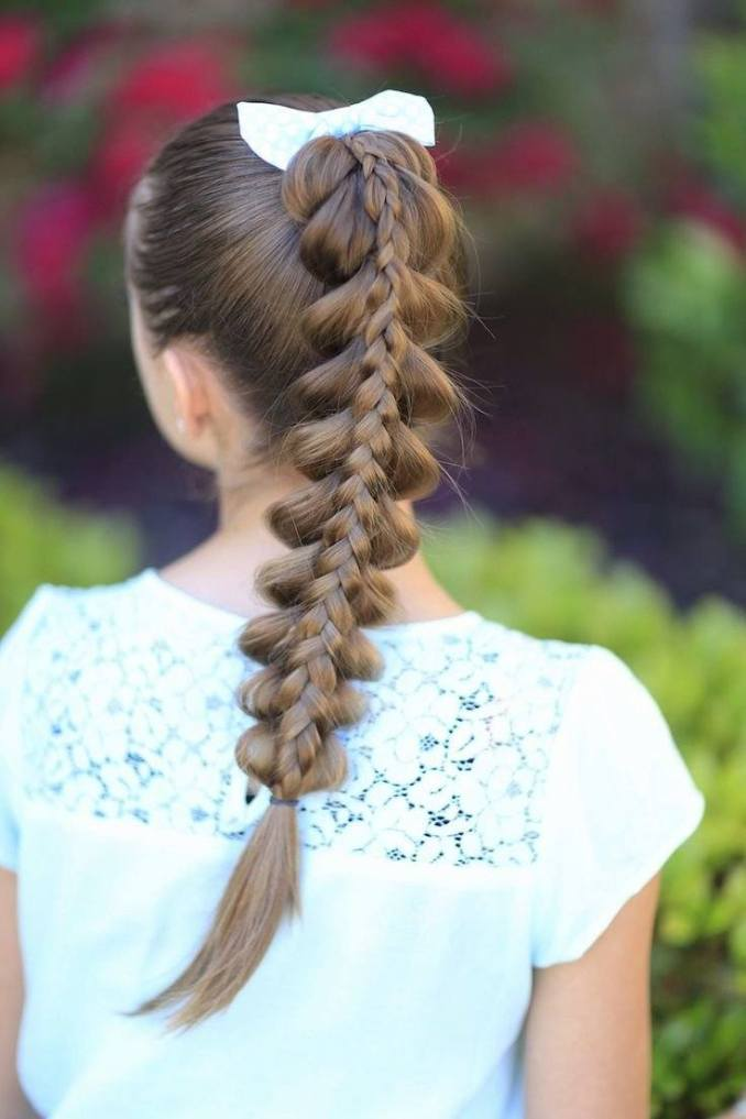 Simple and trendy hairstyles to school 13