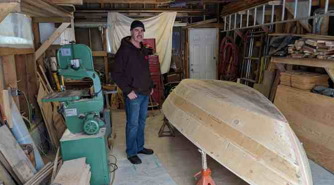 "<span class=""entry-title-primary"">Paddle on the North Saskatchewan River</span> <span class=""entry-subtitle"">Local boat builder brings Newfoundland-style dories to Edmonton</span>"