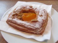 Pascal Apricot Pastry