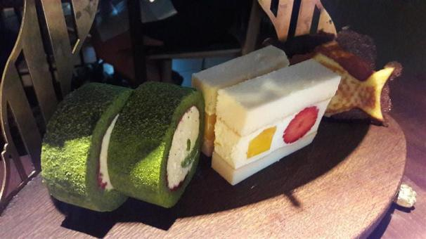 Sosharu Japanese Cotton Cheesecake & Yogurt Strawberry Roll