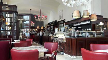 Cafe Diglas Interior