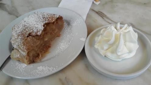 Cafe Diglas Apple Strudel
