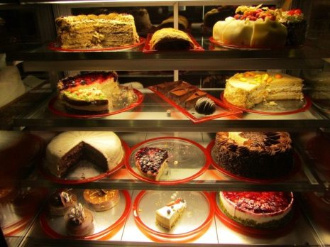Cafe Colore Cakes