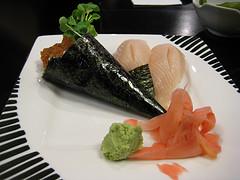 hand roll sushi photo