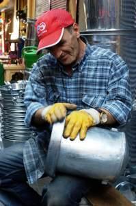 Ein Handwerker im Bazaarviertel in Istanbul