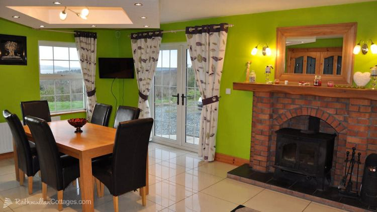 Sea View House Rathmullan Donegal - dining area