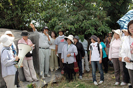 いしがき女性9条の会のメンバーが「八重山における従軍慰安婦の歴史」を学習(八重山毎日新聞)