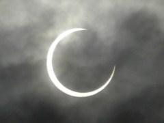 雲越しに撮影(7時29分撮影)