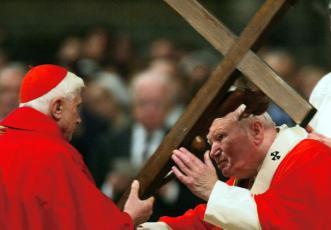 Via-Crucis-en-el-Coliseo.-Viernes-Santo-de-2004