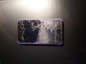 iPod con pantalla destrozada