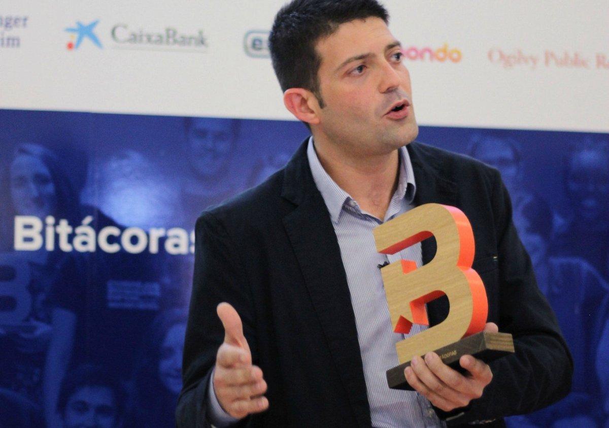 En Cámara Abierta 2.0, presentando los #Bitácoras16 y Escuela Bitácoras