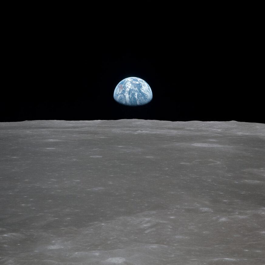 Selfie vom Mond aus, 400 000 km entfernt.