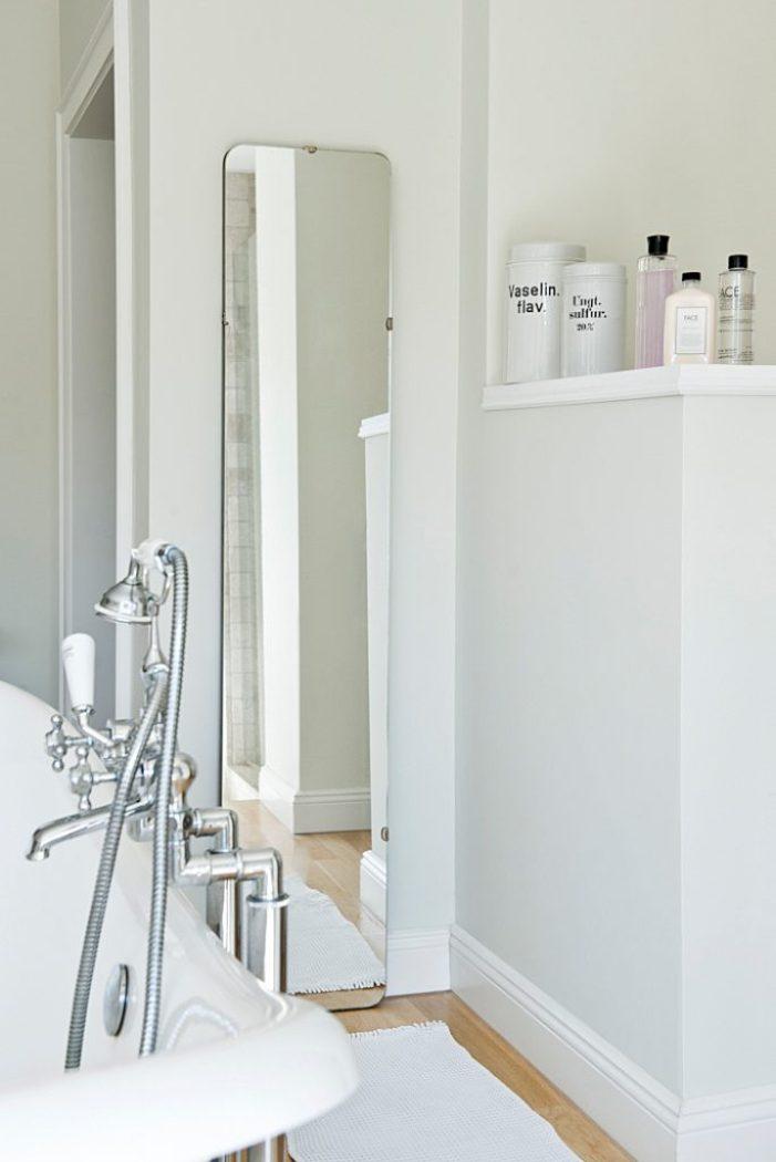 Notizen Standspiegel im Bad