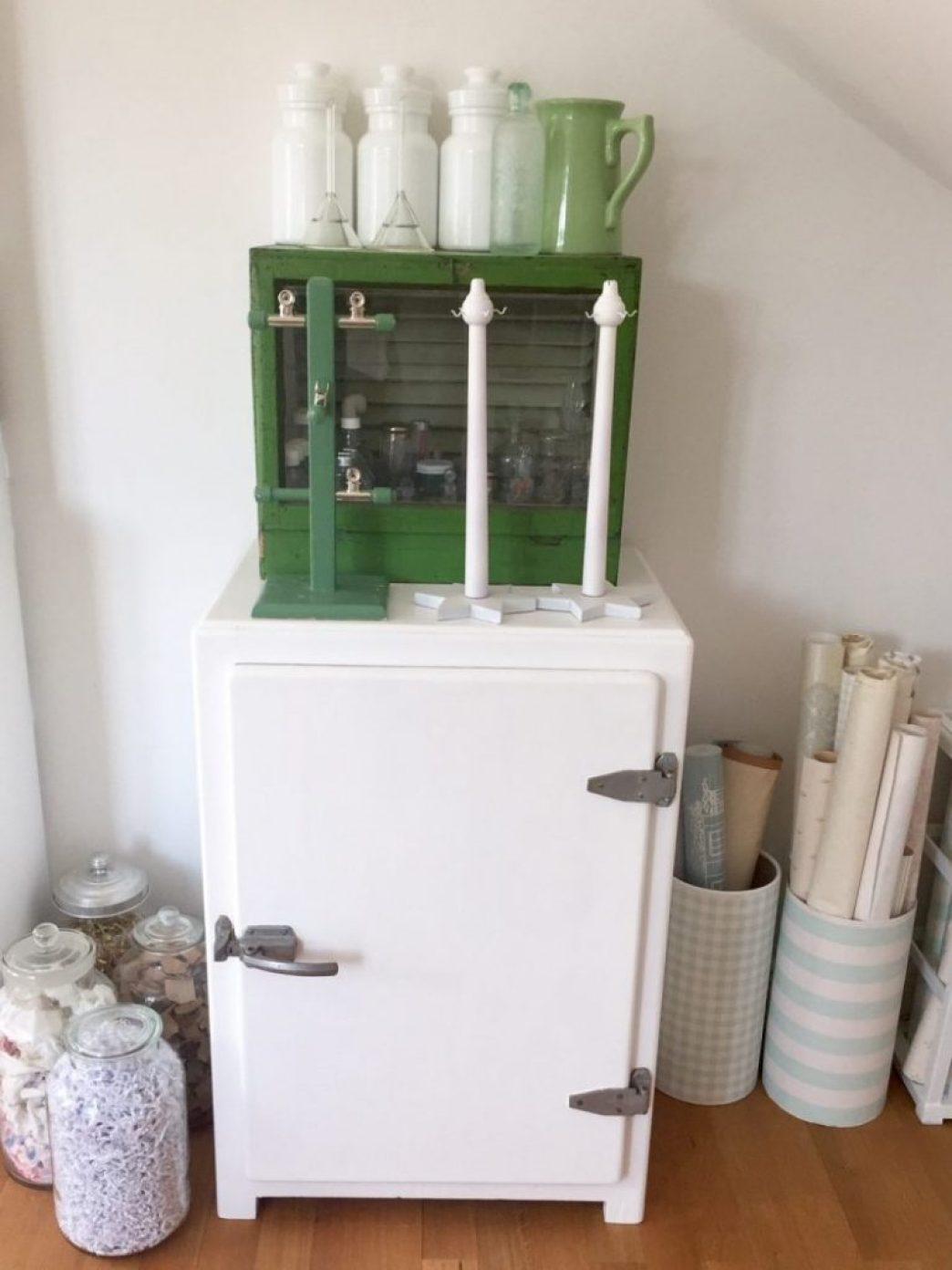 schöner wohnen, uralter Kühlschrank