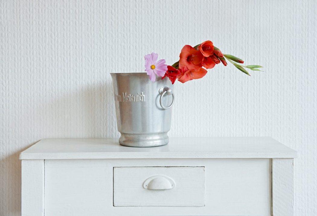 Feiern! Sektkühler mit Gladiolen
